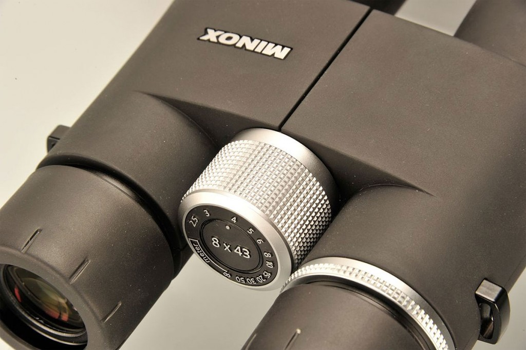 Minox-HG-8x43-Binoculars-Focus-Large